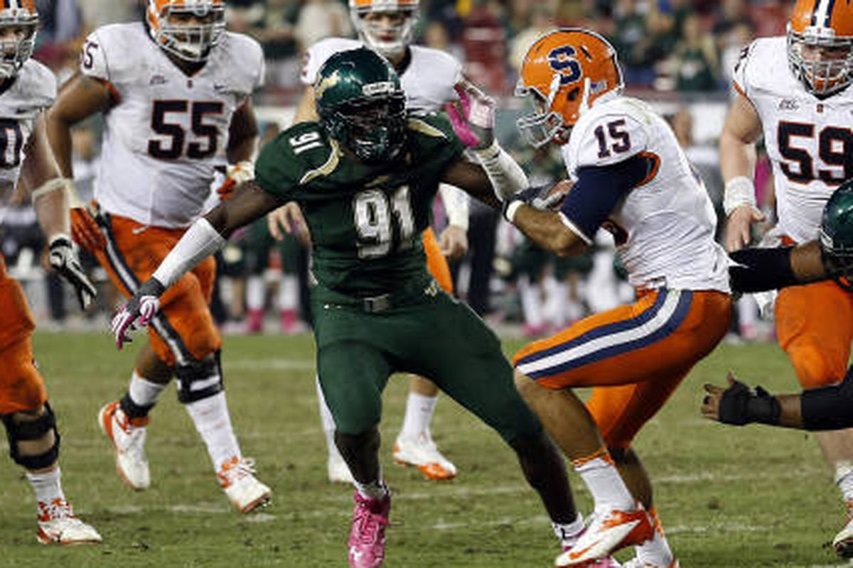 Eric Lee against Syracuse in 2012, where he had 6 tackles.