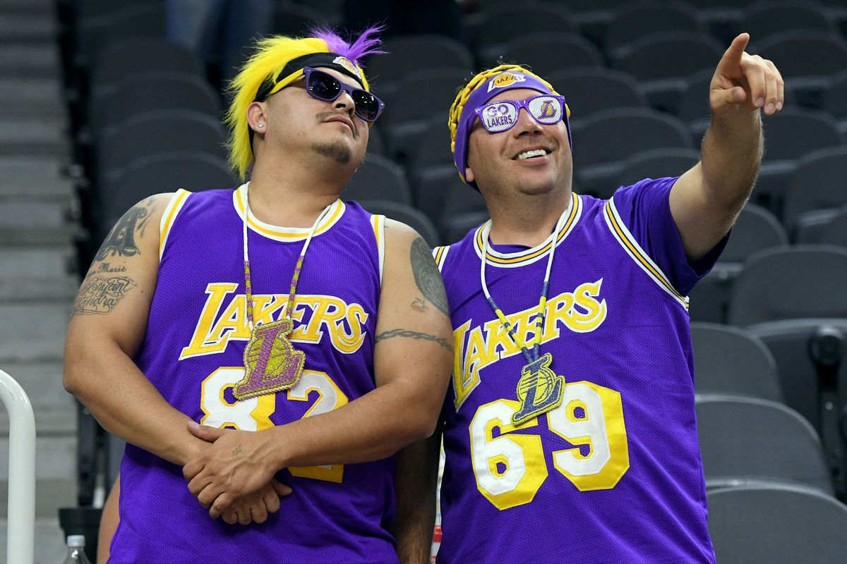 682dfcdb641 Lakers rank third in the NBA in merchandise sales - Silver Screen ...
