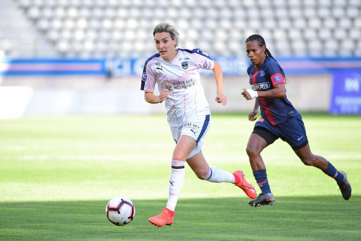 Paris Saint Germain v FC Girondins de Bordeaux - Women Division 1