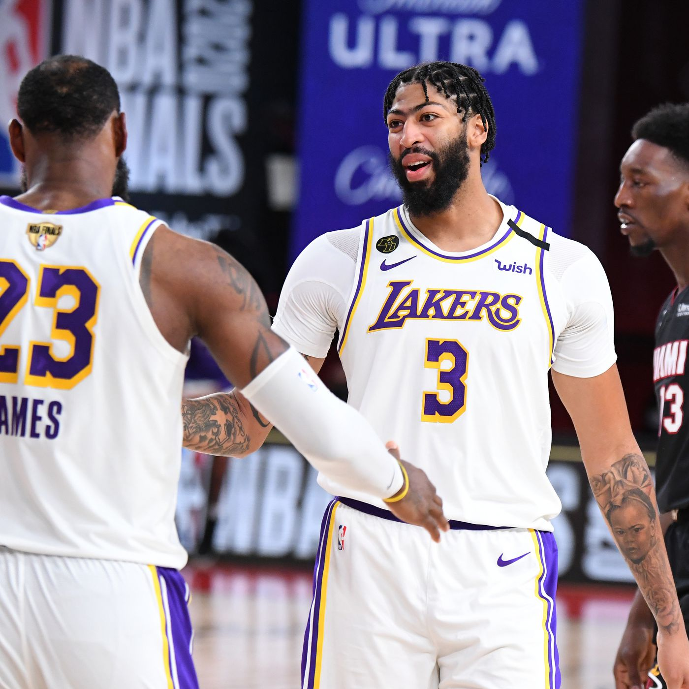 Lakers' Anthony Davis will not trade numbers with LeBron this ...