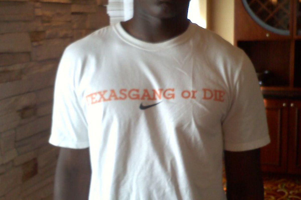 Texas signee Tim Cole was 100% Texas Gang or Die on Wednesday in his shirt made at The Opening (Photo by the author).