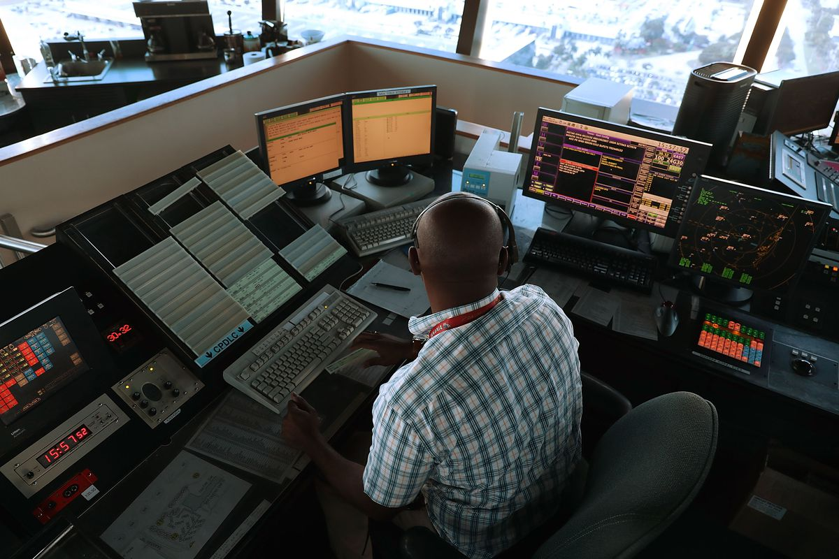 White House details plan to privatize air traffic control