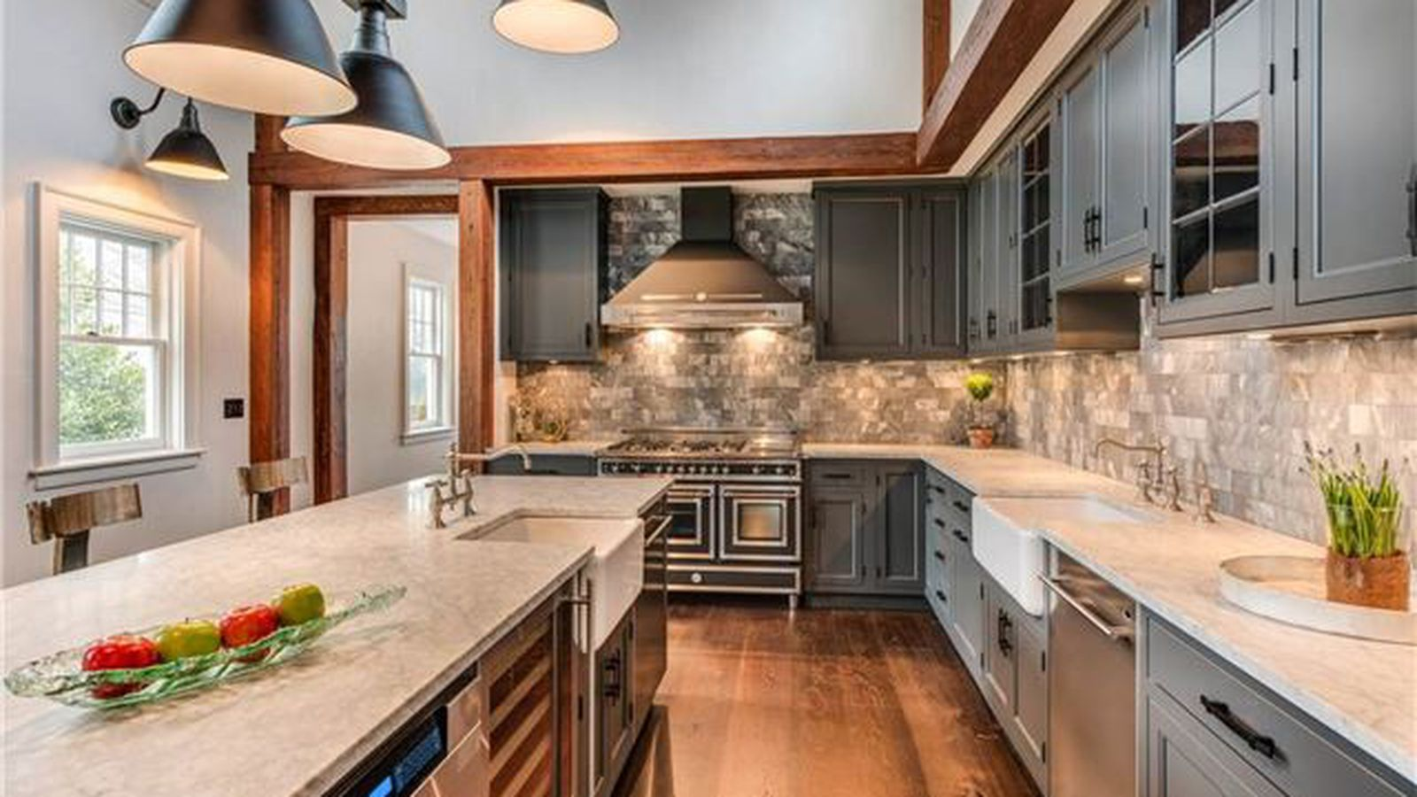 5 gorgeous kitchens in hamptons homes for sale curbed for Gorgeous kitchens