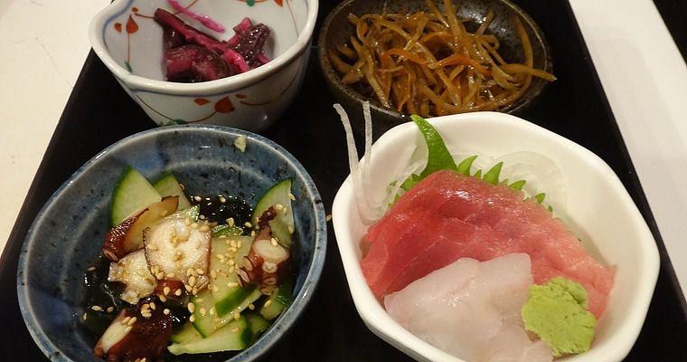 Various dishes from Kotobuki