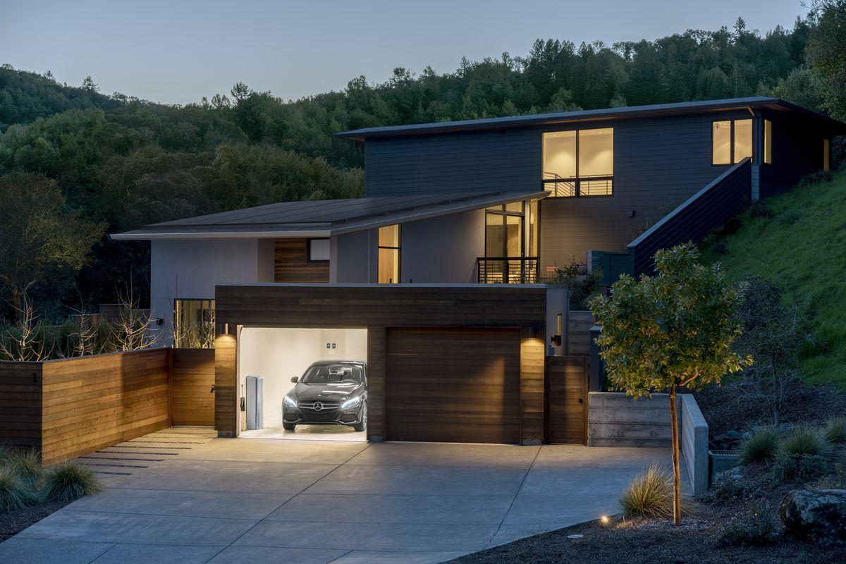 Mercedes Benz Brings Its Home Battery To The Us The Verge
