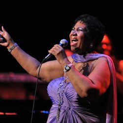 Aretha Franklin performs Thursday May 19, 2011 at the Chicago Theater. | Tom Cruze~Sun-Times