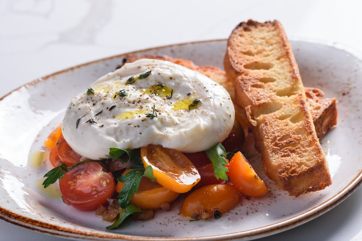 Heirloom tomatoes with burrata at Jeannie's
