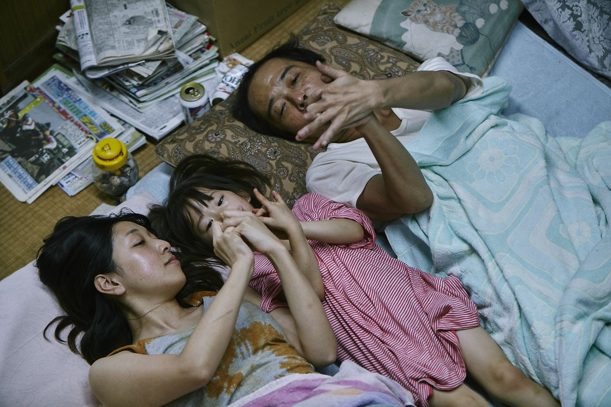 shoplifters movie hirokazu kore-eda