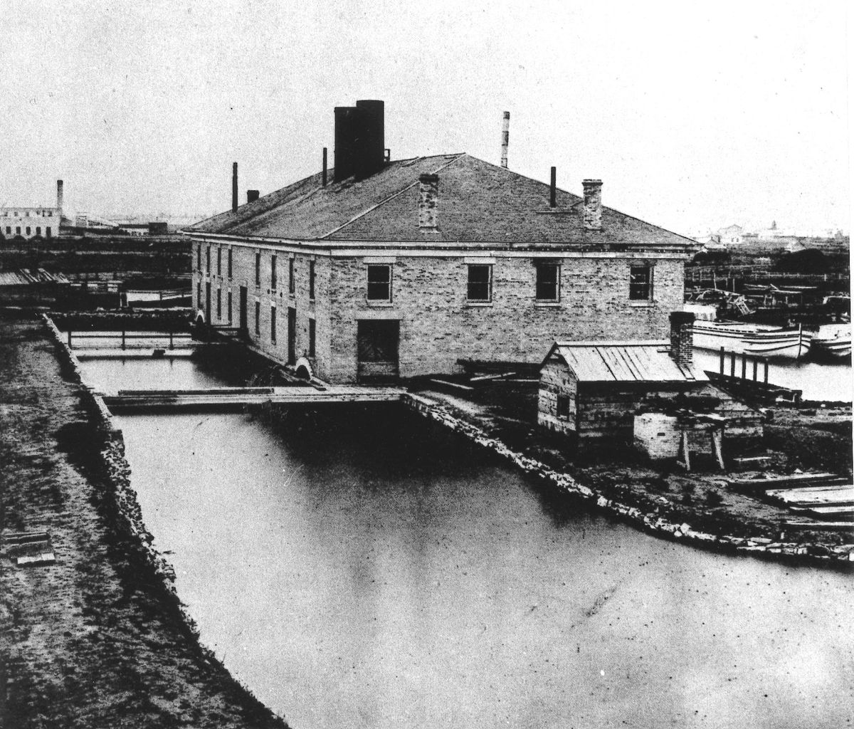 The Bridgeport pumping house at the east end of the Illinois and Michigan Canal circa 1890.   Sun-Times Archives
