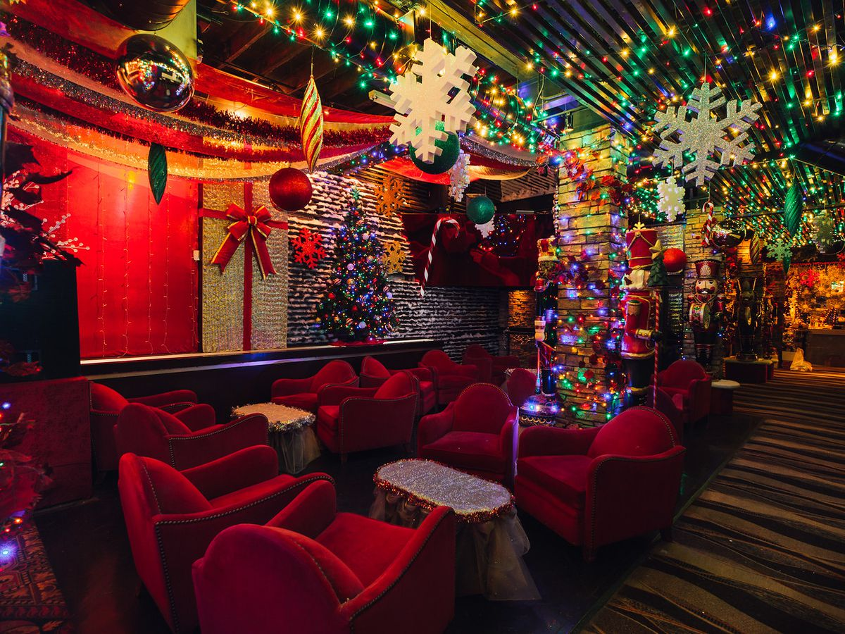 15 Decked Out Holiday And Christmas Pop Up Bars In Chicago