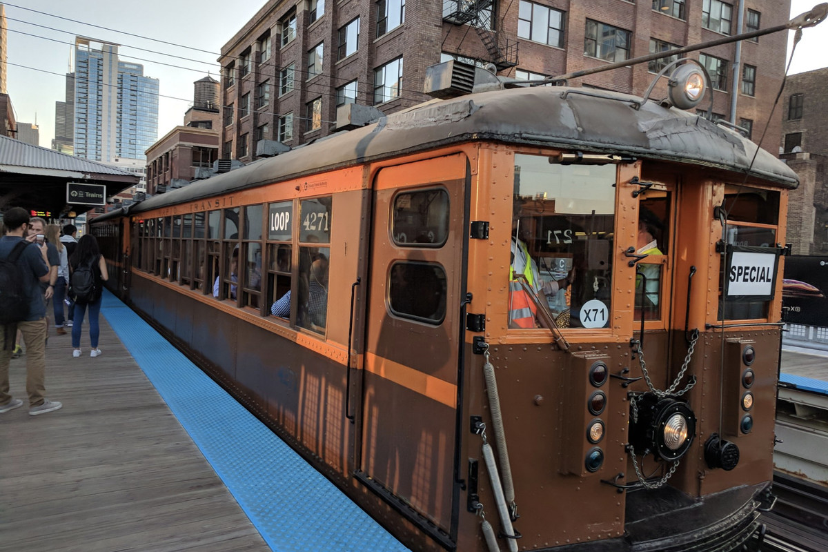 Cta Rolls Out Vintage L Cars For Anniversary Of City S