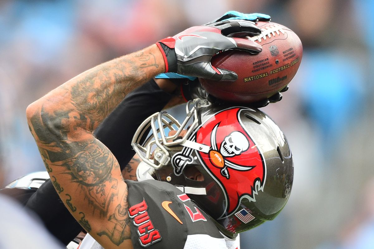 0d5c659d Bucs WR Mike Evans' Contract Is A Better Deal Than GIants' WR Odell ...