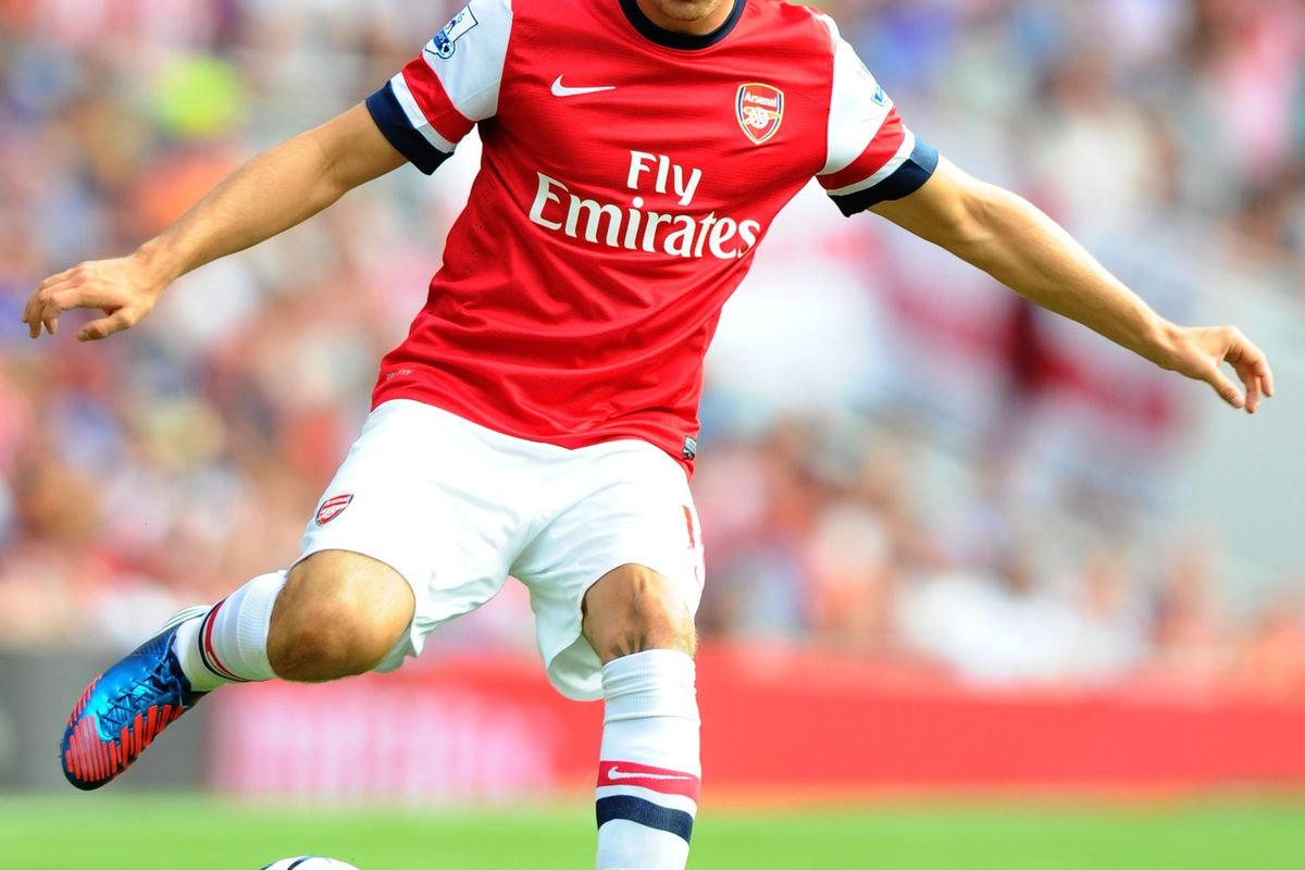 LONDON, ENGLAND - AUGUST 18:  Aaron Ramsey in action during the Barclays Premier League match between  Arsenal and Sunderland at Emirates Stadium on August 18, 2012 in London, England.  (Photo by Mike Hewitt/Getty Images)