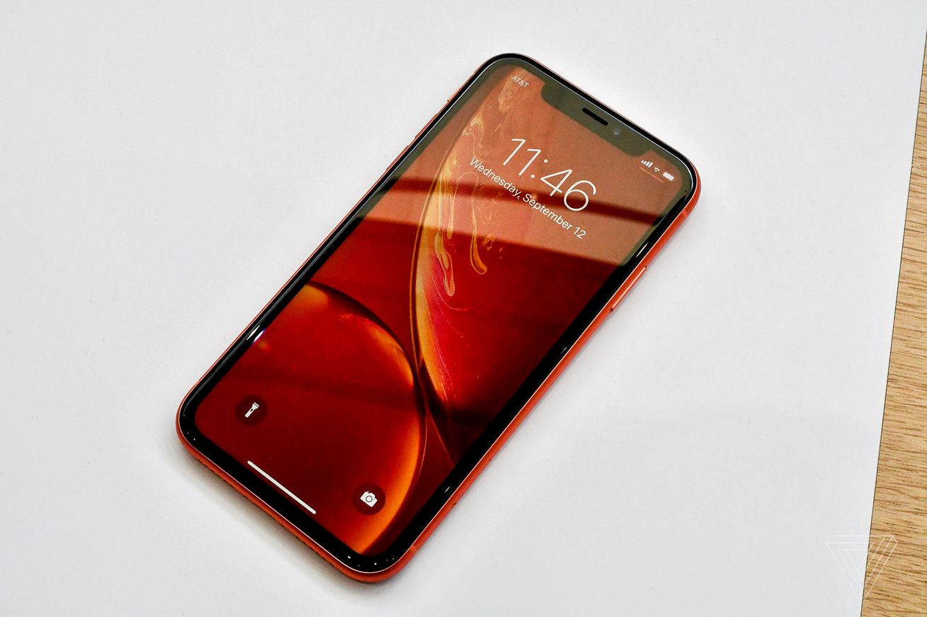 apple s phil schiller confirms the iphone xr name doesn t stand for anything