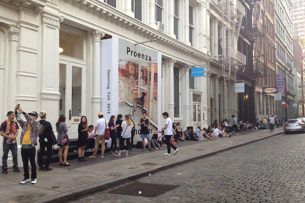 "Outside the Alexander Wang sale. Photo via <a href=""http://ny.racked.com/archives/2013/08/20/alexander_wang_sample_sale_lineblog.php"">Racked NY</a>."
