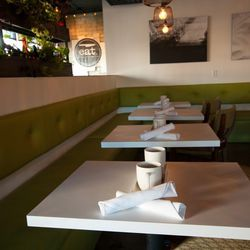 The dining room at Eat.