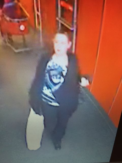 Police are warning of pickpockets targeting elderly women at a North Side grocery store. / photo from Chicago Police