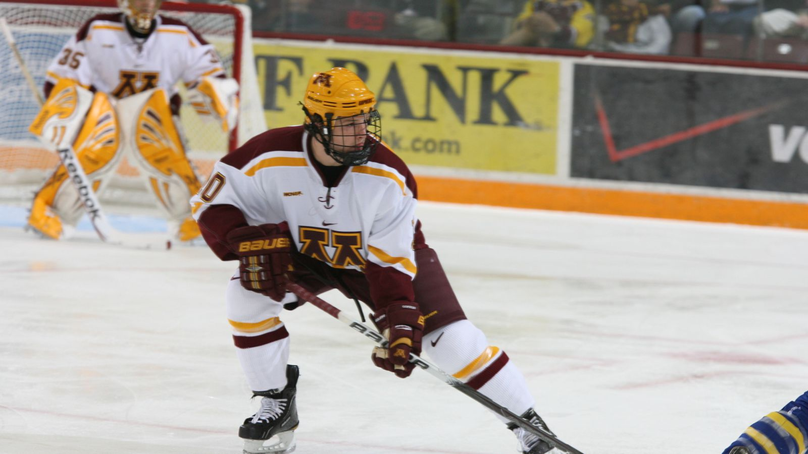 Gophers Hockey: Minnesota sweeps Vermont with 3-1 win ...