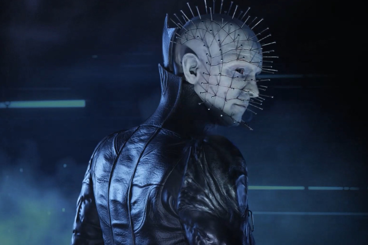 Dead by Daylight - Pinhead, the Cenobite, looks menacingly over his shoulder