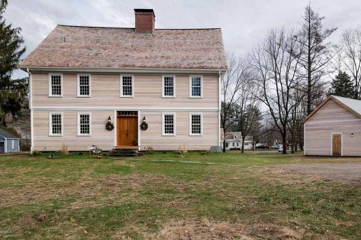 3 colonial houses with revolutionary war connections for for Homes in colonial america