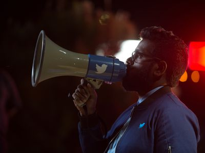 Twitter's hilarious new ad addresses one of its biggest problems — that Twitter is too hard to use
