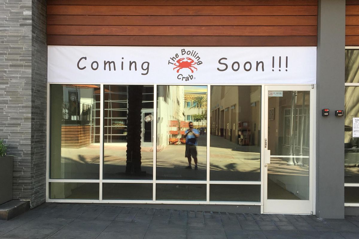 The Boiling Crab is coming to Burbank