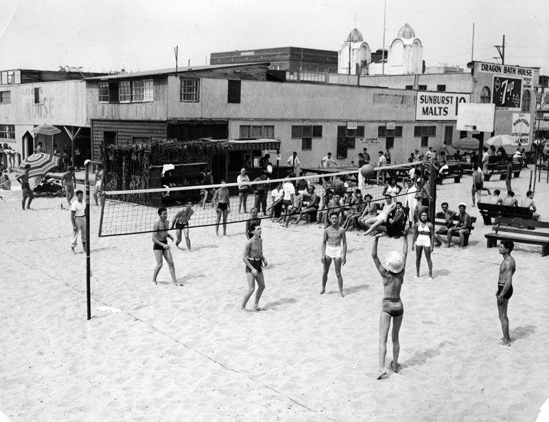 beach volleyball in Venice