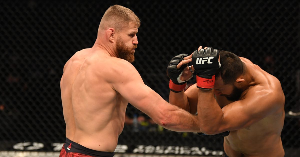 UFC full fight video: Jan Blachowicz blasts Dominick Reyes to capture vacant light heavyweight title