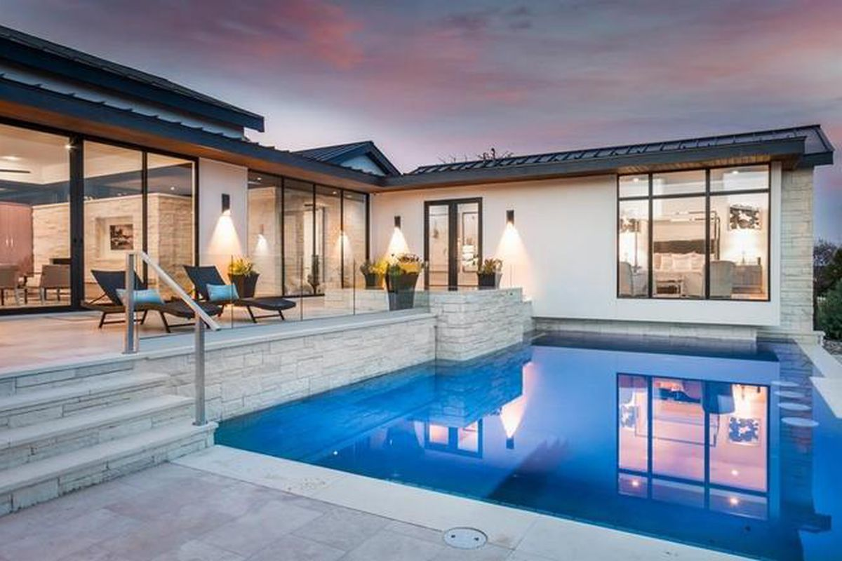 New contemporary with pool