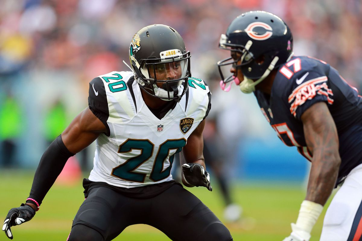 Jalen Ramsey defends against then-Chicago Bears wide receiver Alshon Jeffery