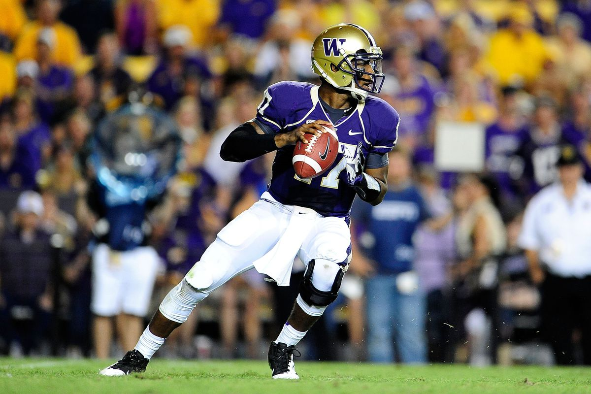 BATON ROUGE, LA - SEPTEMBER 08: Keith Price #17 of the Washington Huskies drops back to pass against the LSU Tigers during a game at Tiger Stadium on September 8, 2012 in Baton Rouge, Louisiana. (Photo by Stacy Revere/Getty Images)