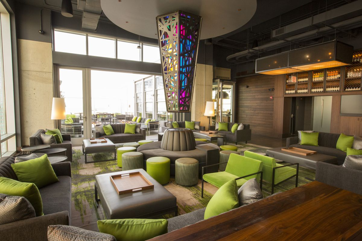 Vu Rooftop Bar Is Open Near Mccormick Place Giving