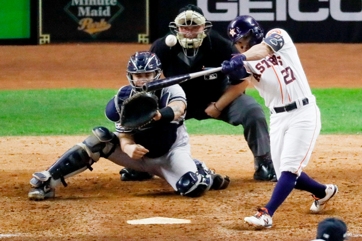 Altuve's walk-off homer lifts Astros to World Series