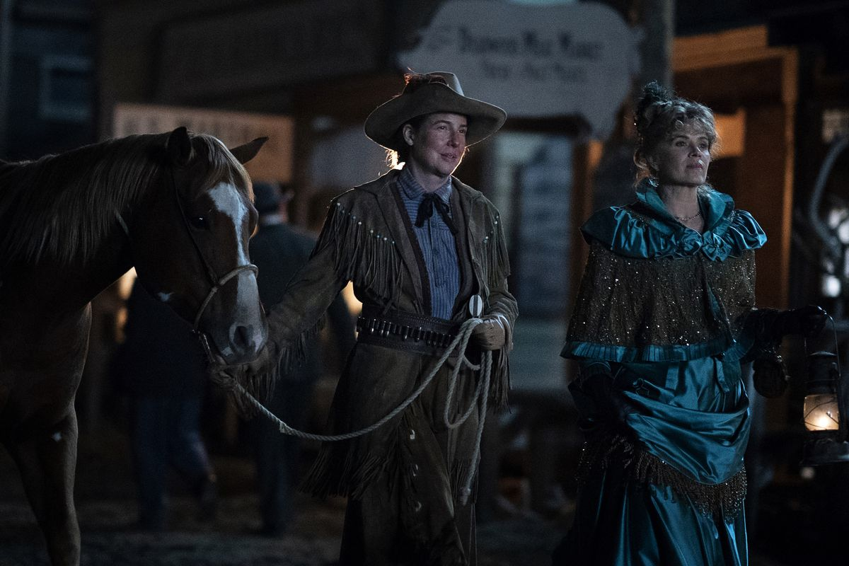 Robin Weigert and Kim Dickens as Calamity Jane and Joanie Stubbs in Deadwood: The Movie
