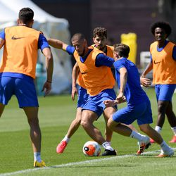 Ross Barkley trying to look like Eden Hazard from a distance
