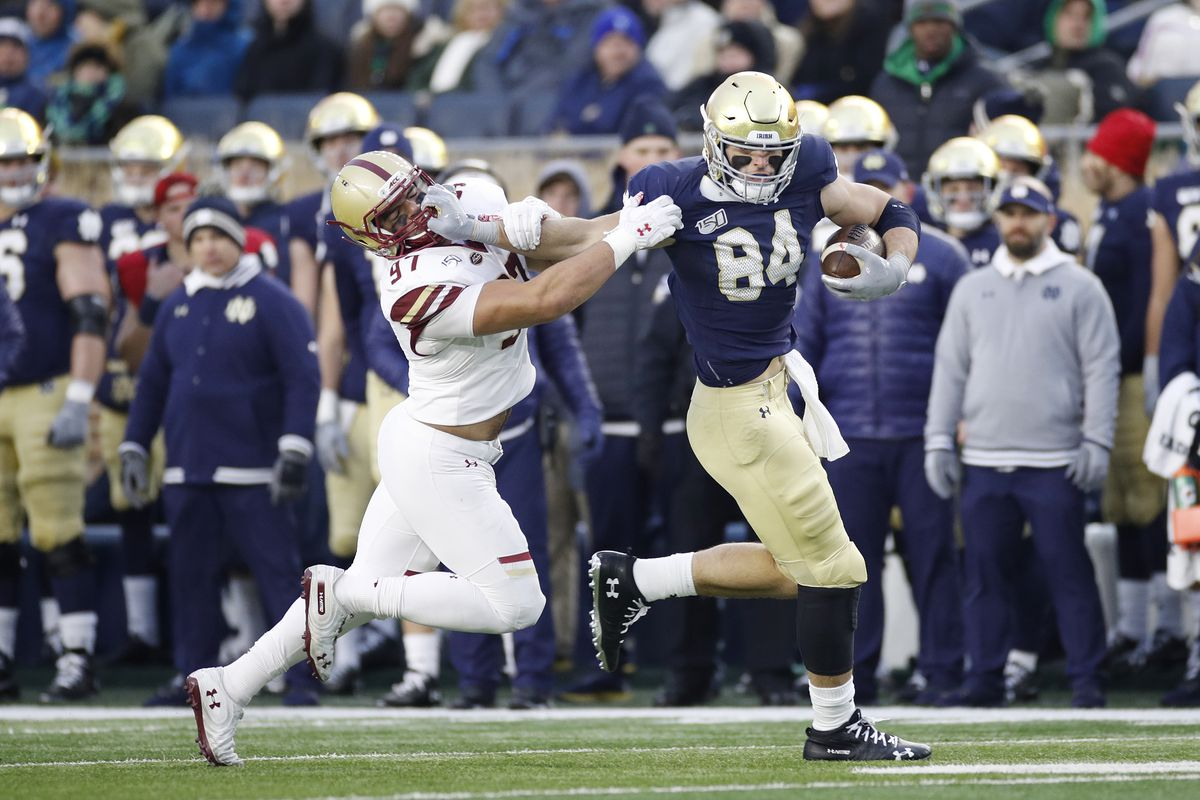 Notre Dame tight end Cole Kmet (84) blossomed as a junior in 2019 — he had 43 receptions for 515 yards and six touchdowns after coming into the season without 17 catches for 176 yards and no touchdown in his first two years.