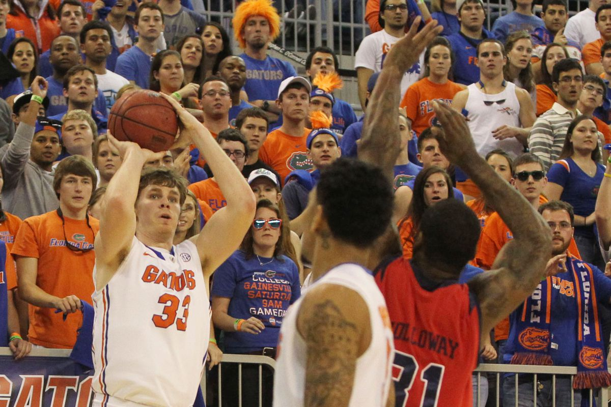 With the Rowdy Reptiles watching, Erik Murphy drains one of seven threes he made on the night.