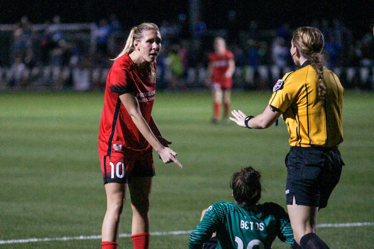 Allie Long aski asking for a card to be given to Groom