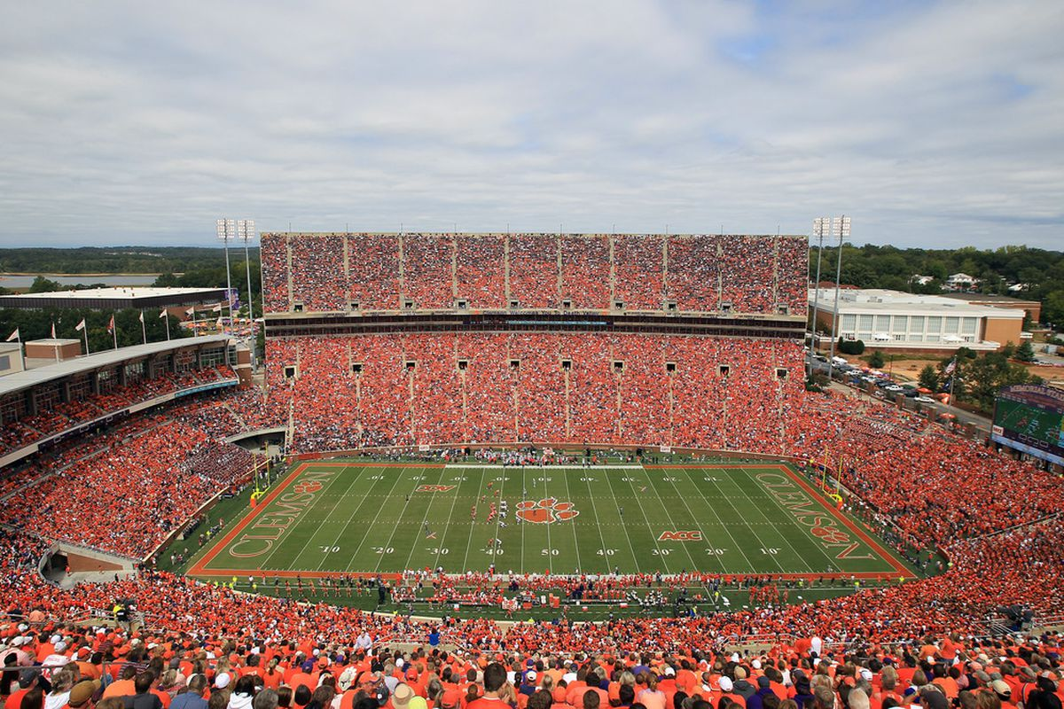 CLEMSON, SC - SEPTEMBER 17:  A general view of the Auburn Tigers against the Clemson Tigers.during their game at Memorial Stadium on September 17, 2011 in Clemson, South Carolina.  (Photo by Streeter Lecka/Getty Images)