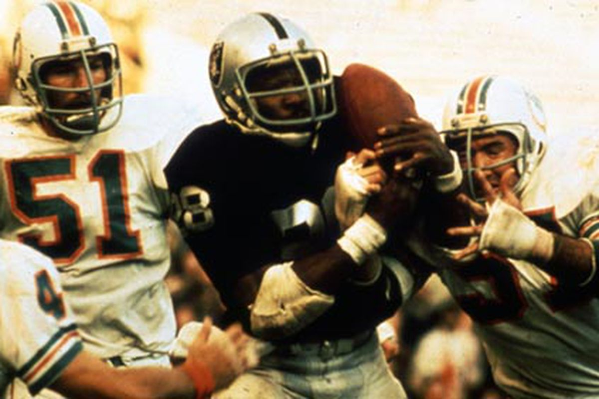 Clarence Davis catches the game winning touchdown vs the Dolphins in the 1974 playoffs