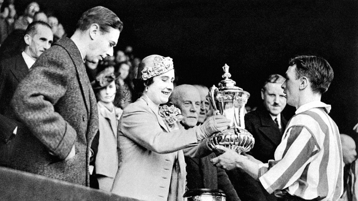 Soccer - FA Cup - Final - Sunderland v Preston North End - Wembley - 1937