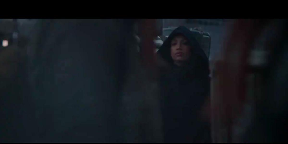 Everyone Thinks Sasha Banks Is Rosario Dawson In The Mandalorian Trailer Sbnation Com