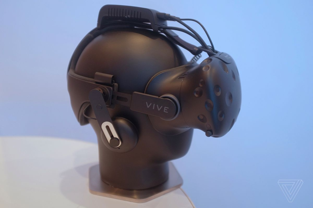 HTC's wireless Vive add-on actually works - The Verge