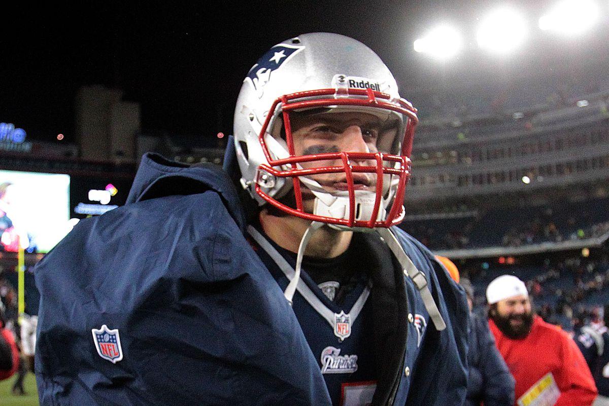 Rob Gronkowski Danny Amendola Out For Patriots Vs Falcons