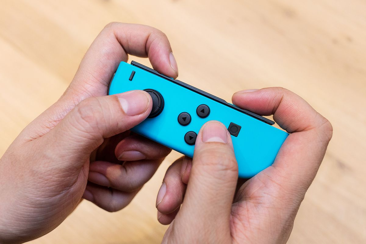 Nintendo Switchs Joy Cons Seem To Be Having Issues On Pre Release Switch Grey Bundle 2game 2amiibo The Left Con In Action James Bareham Vox Media