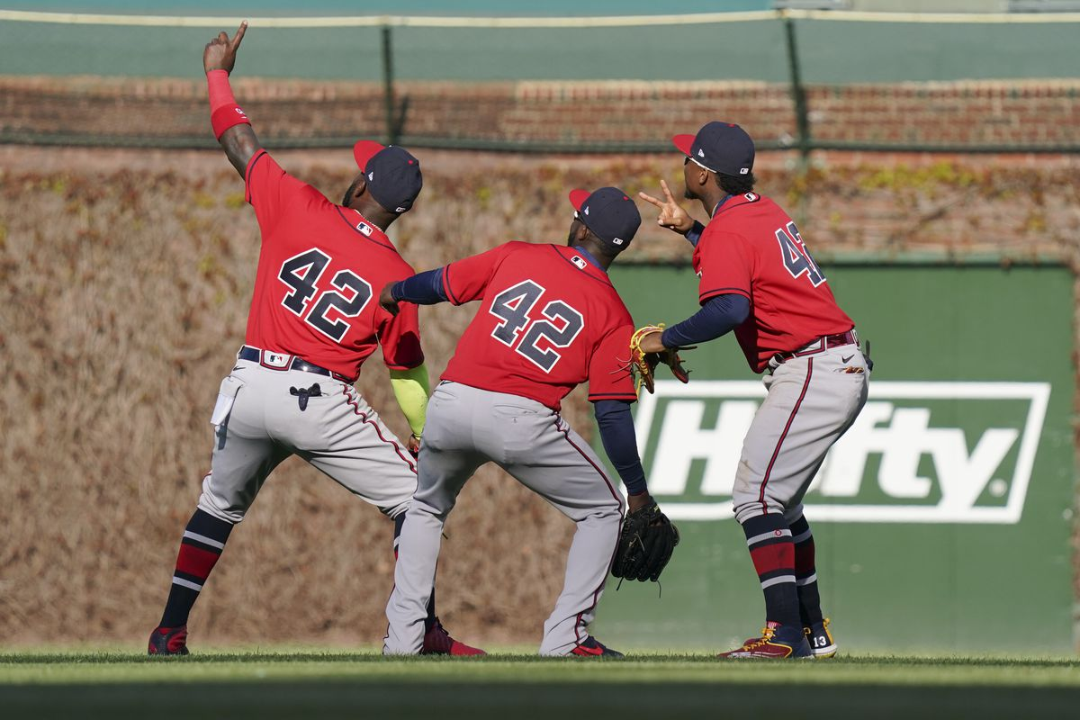Atlanta Braves v Chicago Cubs