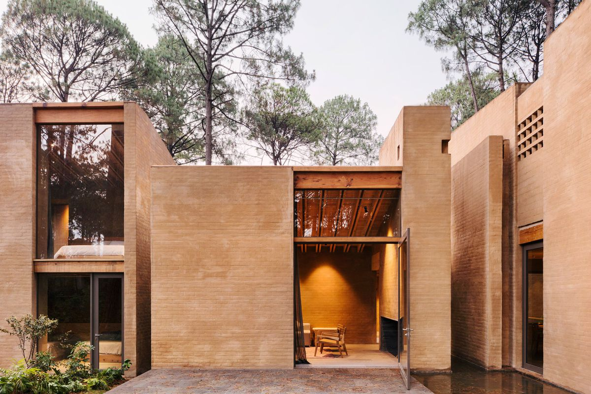 Gorgeous modern brick homes get pinkish tone from soil ...