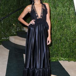 Zoe Saldana in her second look of the evening, black plunging Givenchy.