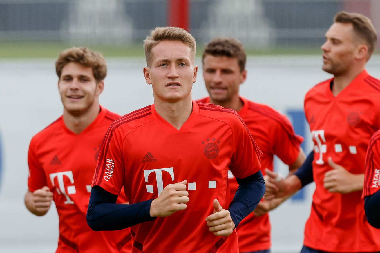 Keeper-drama: young FC Bayern goal-keeper declares his unhappiness with the club