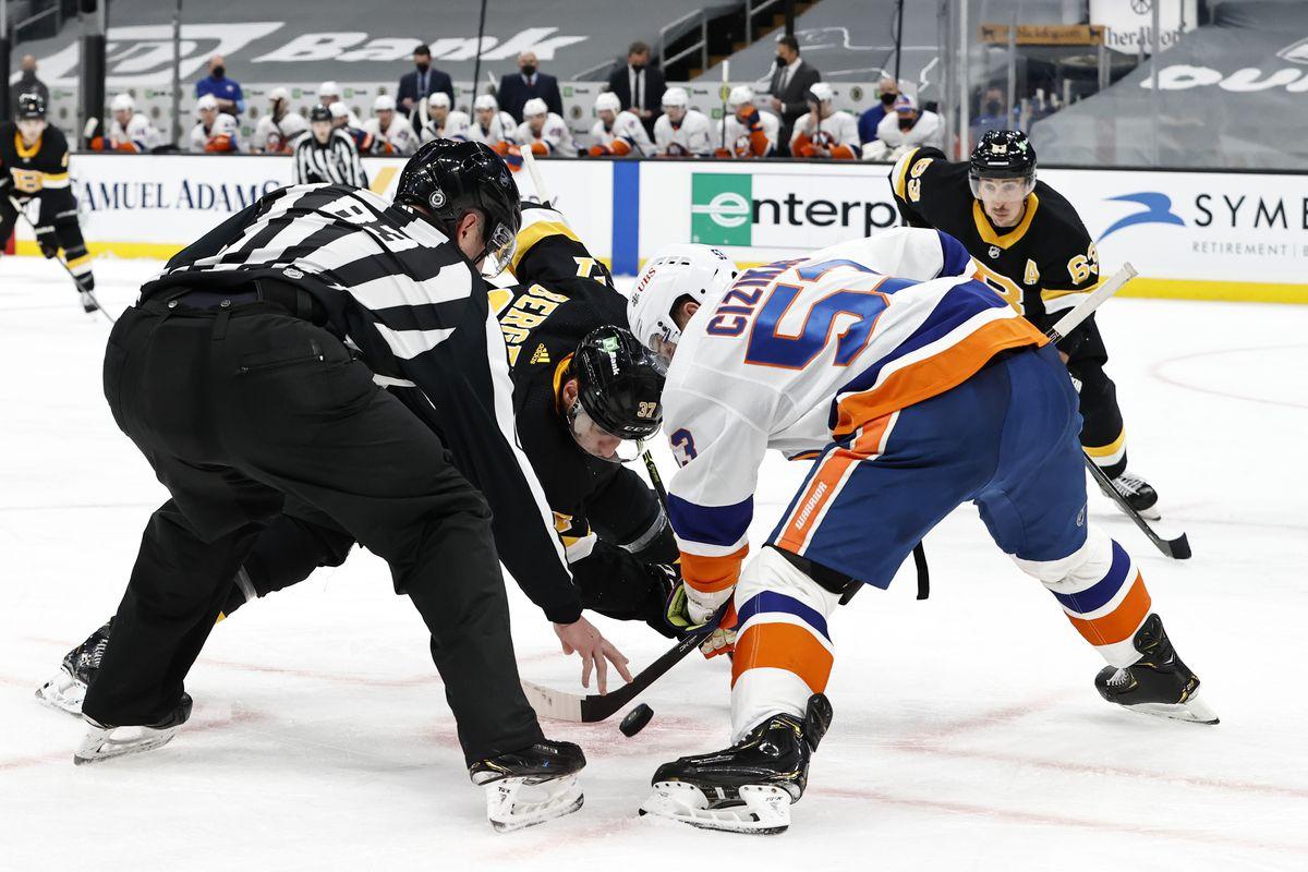 NHL: APR 16 Islanders at Bruins